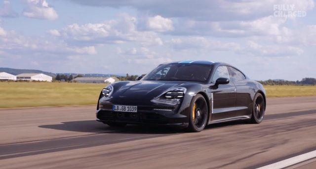 Apple collaborerà con Porsche per offrire il servizio di streaming di Apple Music al nuovo veicolo elettrico Taycan