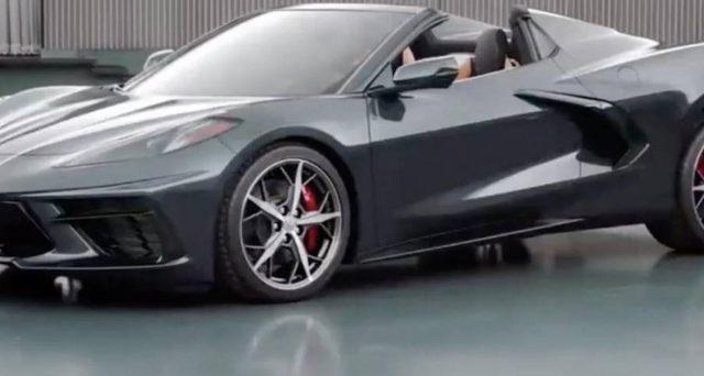 Il prossimo mese di ottobre verrà presentata la Corvette Stingray Convertible