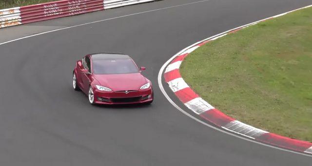 Tesla Model S: la versione con motore Plaid arriverà sul mercato ad ottobre o novembre del 2020