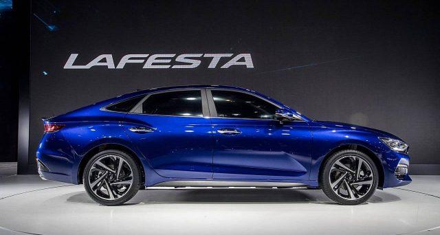Hyundai Motor ha svelato la sua nuova berlina Lafesta EV al Motor Show di Guangzhou in Cina