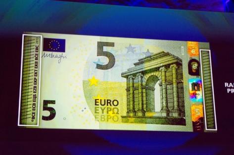 http://www.investireoggi.it/attualita/files/2013/03/5-euro-11.jpg