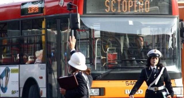 Nuovo sciopero di treni e mezzi pubblici a Milano fissato per venerdì 17 maggio. Gli orari.