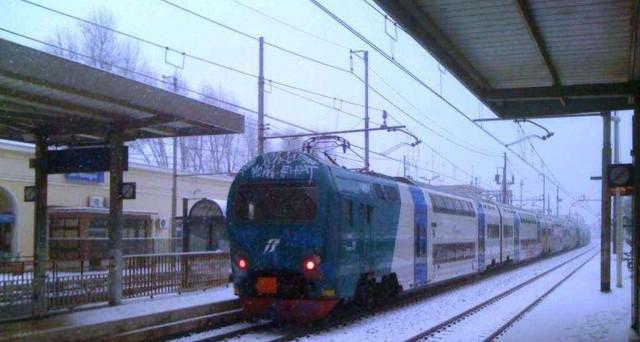 Maltempo oggi 23 gennaio, FS attivano piano neve, ecco le linee garantite dall'offerta Ferroviaria.