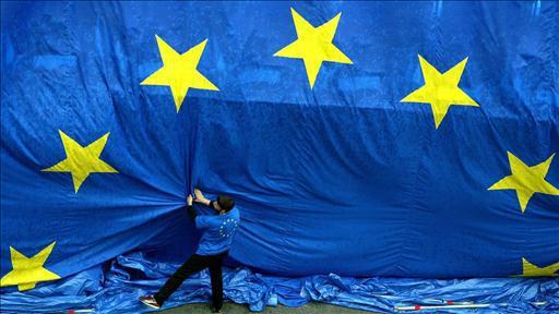Anche a Londra sale il clima anti Ue: due ministri del governo Cameron si esprimono a favore dell'uscita dall'Unione Europea ma la sfiducia verso Bruxelles cresce in tutto il Vecchio Continente