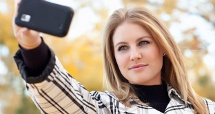 selfie taking picture1