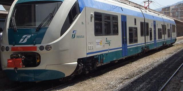 Si ferma il personale Trenitalia domani 22 marzo in Calabria, sciopero dei treni, ecco gli orari dello stop.