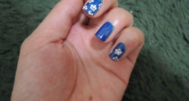 Unghie Con Disegni Di Natale.Nail Art Natale 2016 Tendenze E Idee Per Unghie Smalti E Manicure