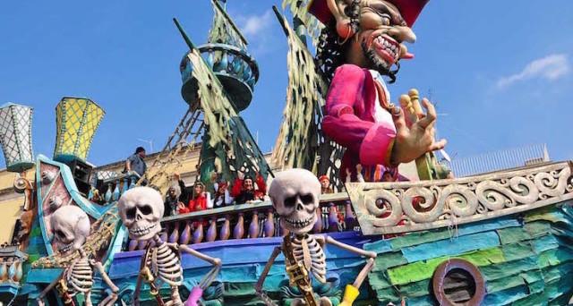Eventi Carnevale 2017 in Italia: cosa fare durante il weekend del 25-26 febbraio, gli appuntamenti a Firenze, Bologna, Fano, in Lombardia e a Cento.