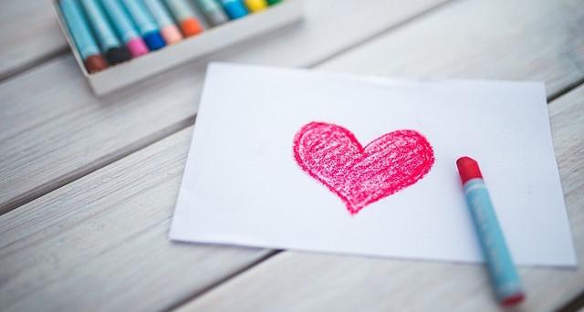 San Valentino 2017: biglietti di auguri romantici pronti da stampare o da scaricare, idee su dove trovarli e come crearli col fai da te.