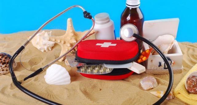 I consigli dell'Aifa per i farmaci da portare in vacanza: attenzione alla conservazione e alle temperature.