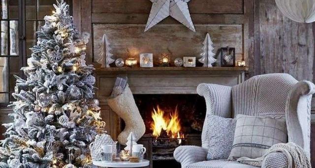 8f1afad065 Le tendenze di quest'anno per l'Albero di Natale, addobbi e colori