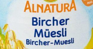 La cooperativa Migros ha comunicato che il Bircher Musli per bambini Alnatura potrebbe contenere pezzetti di picciolo di mela. Ecco maggiori dettagli.