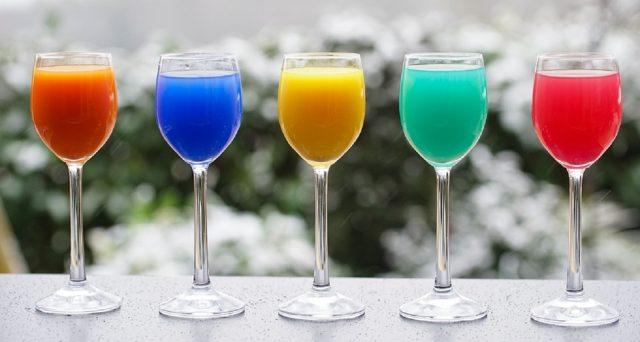 I cocktail da bere in vacanza, ecco i più buoni da non perdere.