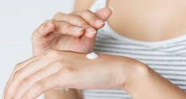Il nuovo studio della Food and Drug Administration degli Stati Uniti comunica che alcune sostanze contenute nelle creme solari possono finire nel sangue anche se usate sulle pelle solo per 24 ore.