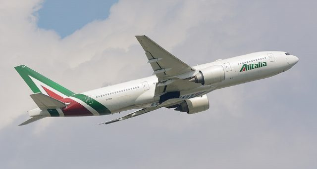 Disagi previsti per il 9 ottobre, sciopero Alitalia in programma. Ecco gli orari dello stop.