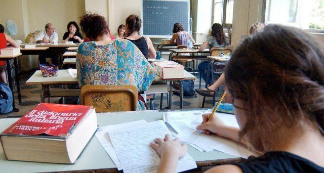 Domani la prova di italiano, iniziano gli esami di maturità 2019, ecco alcuni suggerimenti sulle tracce di attualità.