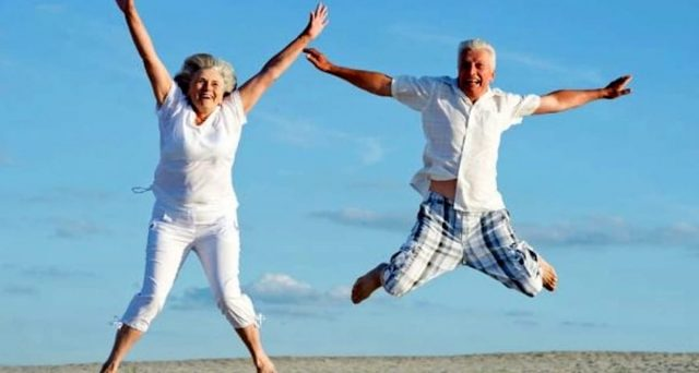La classifica dei paesi più longevi, ecco le nazioni dove si vive più a lungo.