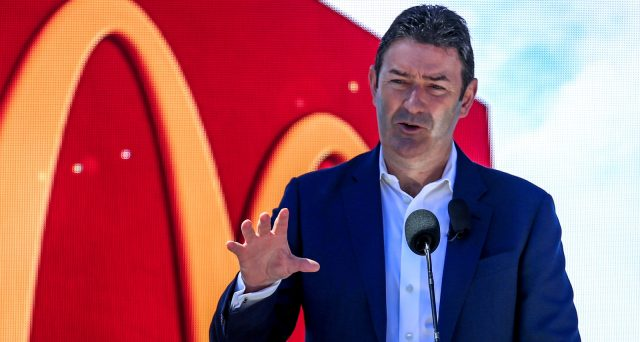 Dimissioni del CEO di McDonald's, aveva relazione con una dipendente del gruppo.