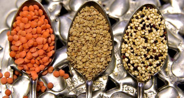 Ecco gli alimenti insospettabili che non si mantengono a lungo nella dispensa e andrebbero buttati.
