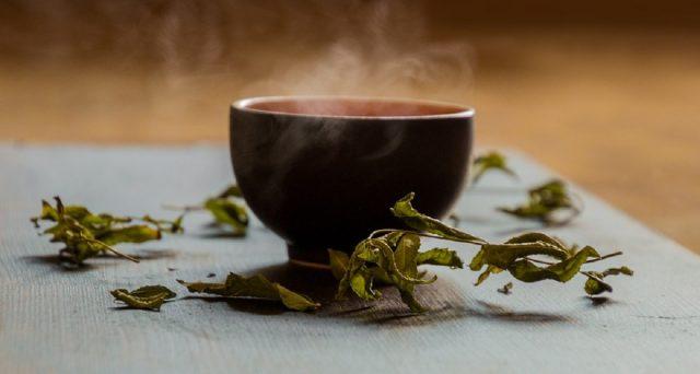 Le proprietà benefiche del tè: è arrivato un nuovo studio che le conferma.