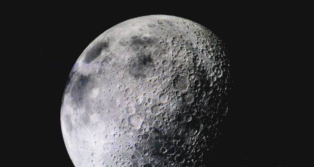 Non solo la superluna più vicina dell'anno, ma anche un vero e proprio calendario di congiunzioni astrali: le meraviglie del cielo di Aprile.