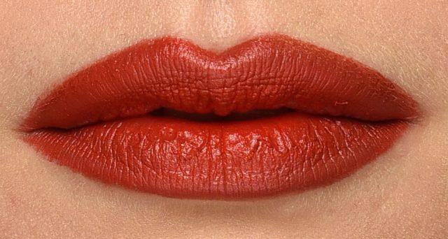 Analisi sui rossetti, secondo Altroconsumo uno su tre è potenzialmente pericoloso.