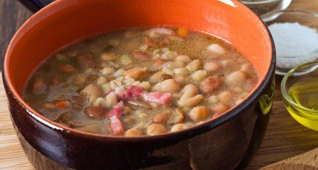 Nuovi richiami alimentari sul Ministero della Salute, stop a salmone e zuppa con farro.