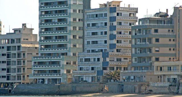Varosha, sobborgo di Famagosta, potrebbe riaprire ai turisti ma non c'è ancora una data.
