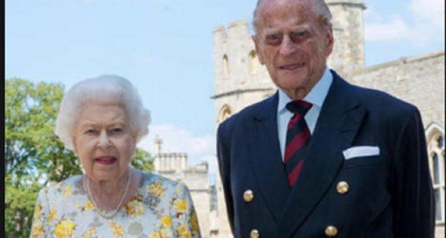 20 novembre 2020: debutta il menù KFC di Sfera Ebbasta e 73 anni matrimonio regina Elisabetta