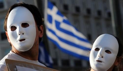 Tre greci su quattro vogliono restare nell'euro e il partito di estrema sinistra cambia rotta alla vigilia delle elezioni. Fra euro bond, project bond e possibile revisione del piano di austerità Atene avrà solo da guadagnarci