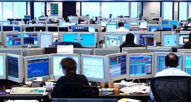 Il panico sui mercati costringe gli emittenti a rinviare il lancio di obbligazioni. In aumento i fallimenti nel settore energetico e minerario
