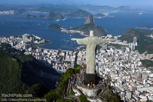 L'economia carioca figura fra i primi sei sistemi economici al mondo e lo sviluppo del paese attira investimenti. Le obbligazioni in reais non sono più rischiose come negli anni '90