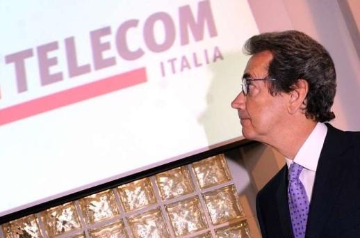 I soci Telco non rinunciano ai dividendi e indebitano la compagnia. In rampa di lancio un'emissione subordinata a sessant'anni  e cedola dell'8-9%. Le agenzie di rating bocciano l'operazione
