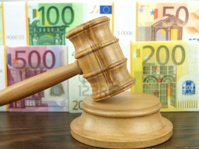 Accoglienza positiva dei mercati per la formazione del nuovo governo Letta. Il Tesoro ha assegnato 6 miliardi di euro titoli di stato con rendimenti che non si vedevano dall'ottobre 2010, nonostante Moody's