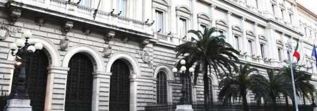 Ormai è inevitabile, i Btp saranno riscadenzati come avvenuto per Atene nel 2012, è solo una questione di tempo. Le clausole Cac già prevedono questa eventualità e dall'estero lo sanno