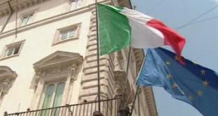 Il Tesoro assegna 8,5 miliardi di titoli a breve termine con tassi al 0,78%, ma l'Italia continua a perdere competitività in Europa. Sulle alltività produttive pesano troppe tasse e l'eccessiva burocrazia dello Stato