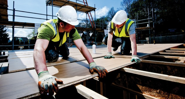 Le obbligazioni in euro subordinate della multinazionale austriaca dei pannelli di legno rendono il 7% fino al 2016. La società è leader europea del settore e il bond, un po' rischioso, potrebbe dare soddisfazioni
