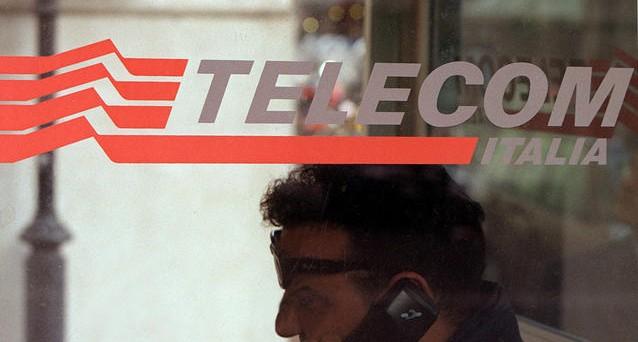 Scendono i rendimenti dei bond Telecom Italia dopo il miglioramento del outlook dell'agenzia di rating Standard & Poor's
