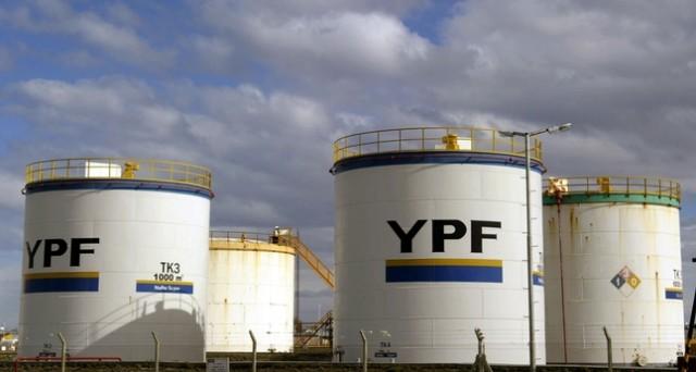 La compagnia petrolifera argentina fa cassa con un'emissione da 200 milioni. Cedola 8,875% per cinque anni: il rischio è contenuto nonostante il rating basso