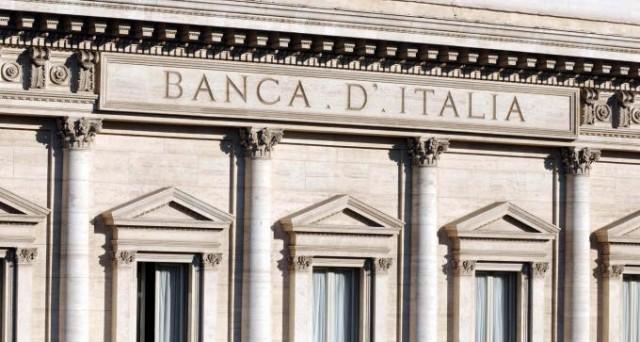 Continuano a calare i rendimenti dei titoli di stato. Buona la domanda in asta per il nuovo BTP 3,375% 2024 che è stato venduto per 4 miliardi di euro.  Assegnati anche CCTeu a lunga scadenza