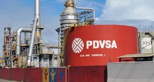 Riserve statali ai minimi, prezzo petrolio in ribasso e iperinflazione minano i conti del paese. PDVSA si appresta ad allungare le scadenze per 7 miliardi