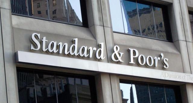 S&P abbassa rating per Ue da AA+ a AA