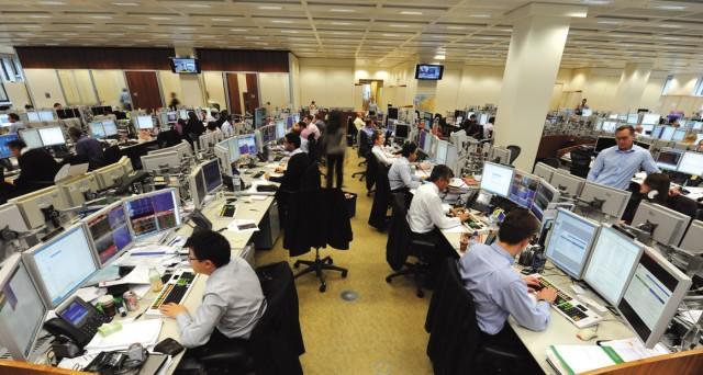 Cedola bassa in coincidenza di alta volatilità dei mercati e scadenze tributarie hanno rovinato la festa per raggiungere i 100 miliardi. Domani sarà la volta degli istituzionali