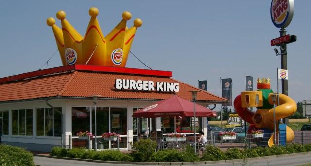 Le obbligazioni Burger King (USC6900PAB51) sono negoziabili per tagli minimi di 2.000 dollari. Rating B+, ma l'acquisizione di Tim Horton farà bene ai conti
