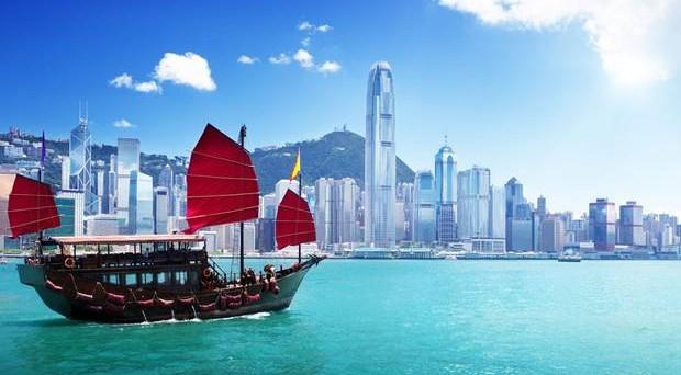 La divisa di Hong Kong si è rafforzata del 20% negli ultimi 12 mesi e il trend è in continua ascesa. Una scommessa sui bond in dollari asiatici