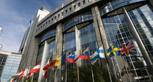 Creditori e governo torneranno a riunirsi sabato e martedì Atene rimborserà il FMI. Quattro anni fa la Grecia era messa peggio di adesso e fu salvata