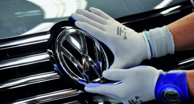Volkswagen ha emesso obbligazioni per 8 miliardi, a tasso fisso e variabile. Record di richieste (25 miliardi) per aggiudicarsi i nuovi titoli