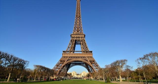 Francia: riparte selloff su bond, Parigi si comporta come periferia