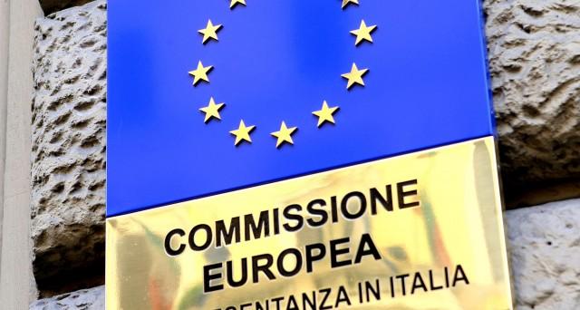 La crescita del Pil italiano non sarà all'1,5% nel 2019 e il deficit di bilancio salirà al 2,9%. Per Bruxelles è allarme rosso