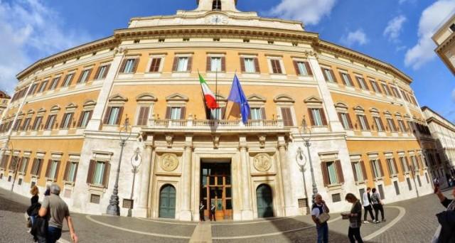 Gli obbligazionisti truffati di Banca Marche, Popolare Etruria, Carichieti e Carife riceveranno l'80% del valore nominale dei bond finiti in default. Contrario il Codacons